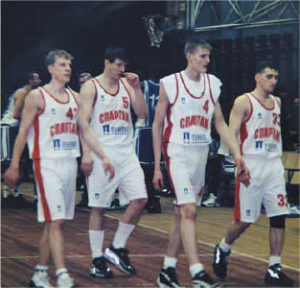 Андрей Кириленко провел мастер-класс для юных баскетболистов Гатчины