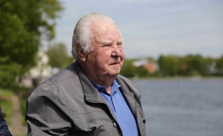 Юрий Тюкалов празднует день рождения