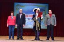 Кадеты, кадетки и студентки СПбГУ на балу в Морском корпусе Петра Великого