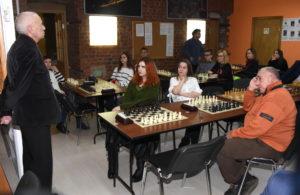 Сыграем в шахматный блиц